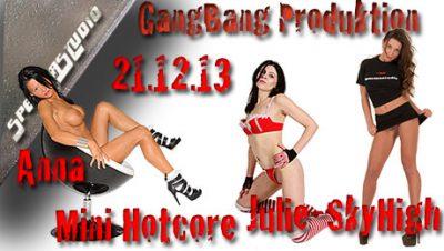 Julie SkyHigh, Anna & Mini Hotcore 21.12.13