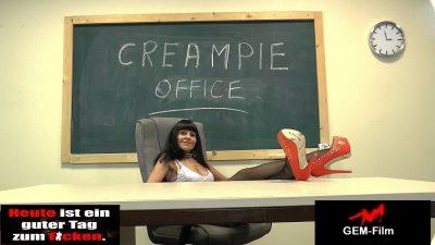 Real Hardcore Gangbang-Produktion Sarah …02.12.14…. the ultimate Sex-Milf